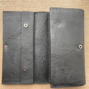 カガリユウスケの長財布ブラック