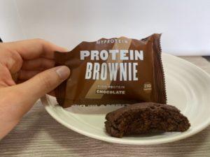 チョコレートブラウニーの断面図