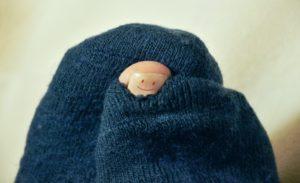 破れている靴下