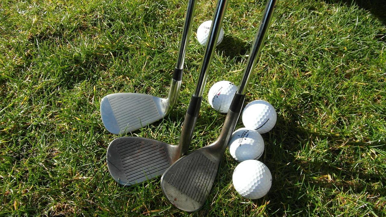 【初心者必見】ゴルフ打ちっぱなし練習場の持ち物や服装、注意事項まとめ