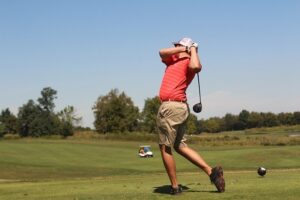 ゴルフ練習場(打ちっぱなし)の服装は自由